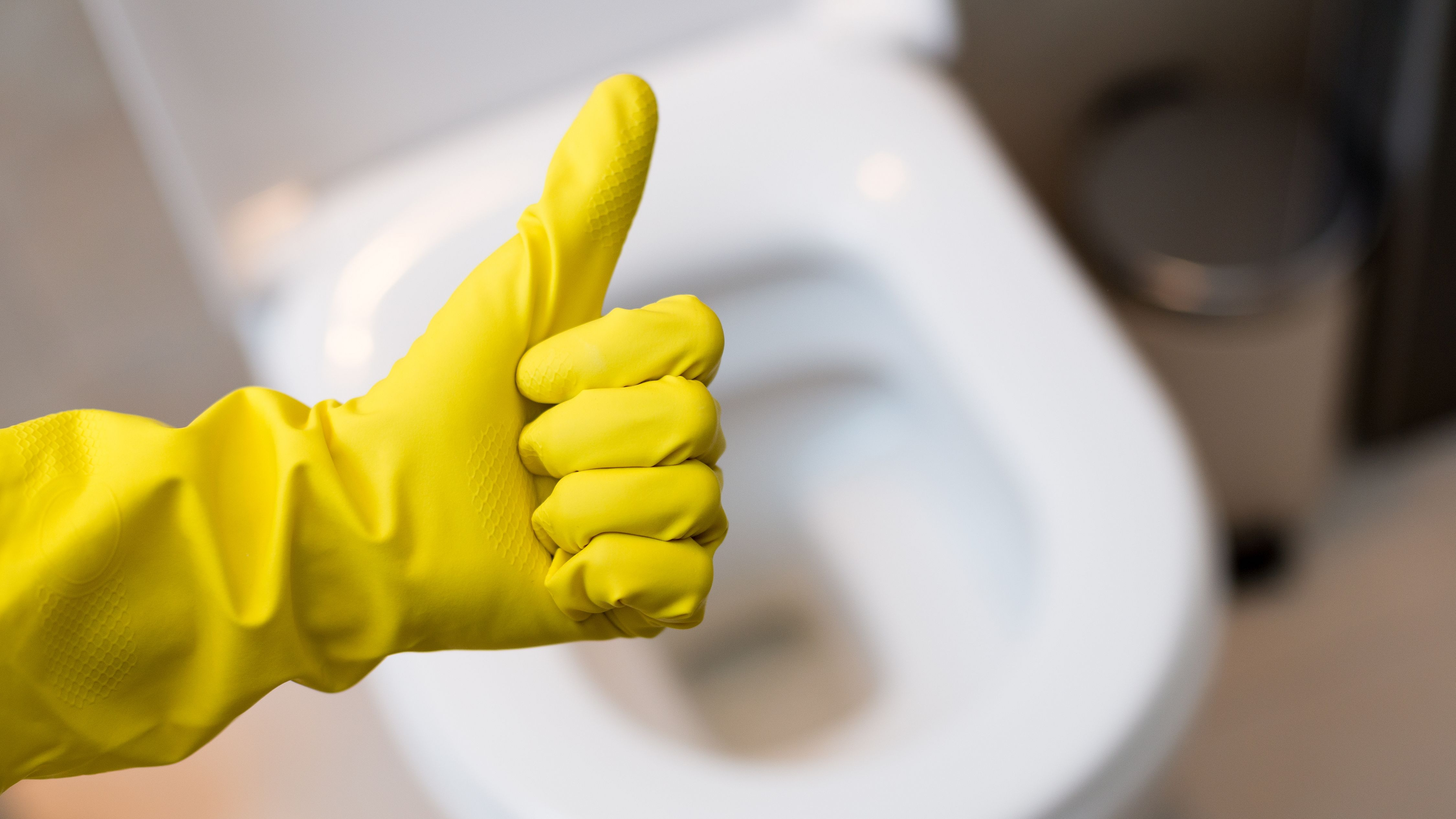 Unclog A Toilet Without Plunger
