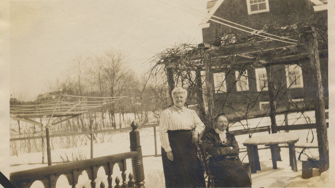 The only known photograph of Caroline Weldon (seated), taken in 1915 with her friend Aline Estoppey