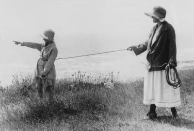 Turns out leash kids aren't a new phenomenon.