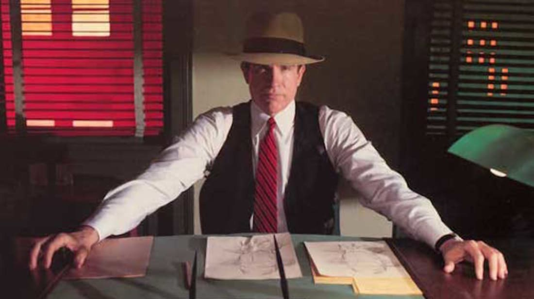 Warren Beatty stars in Dick Tracy (1990).
