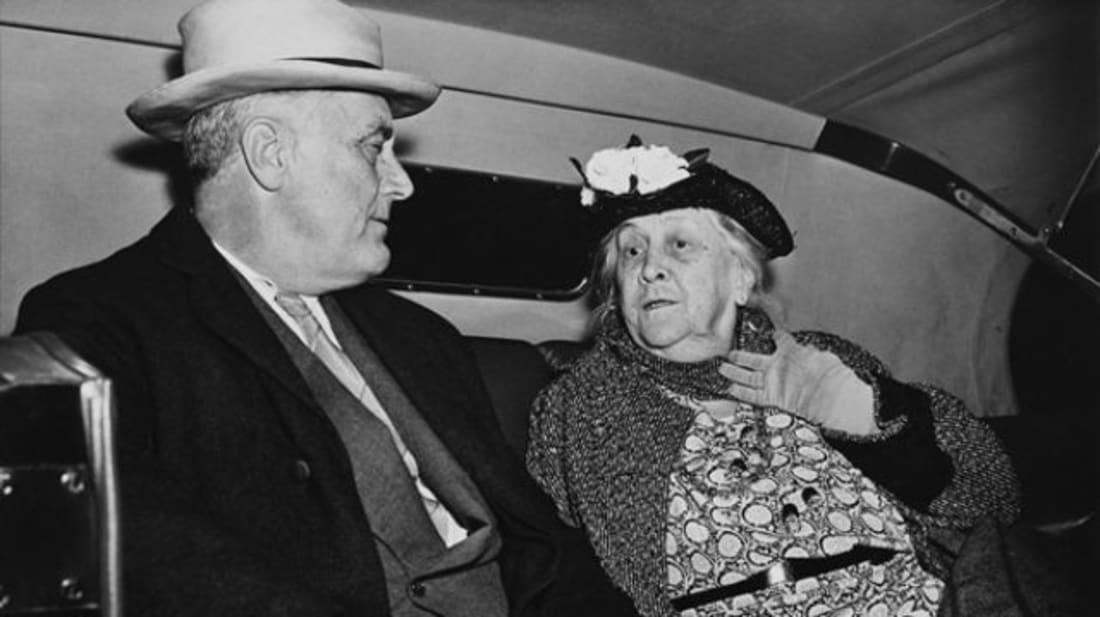 Franklin Roosevelt and his mother, Sara Roosevelt.