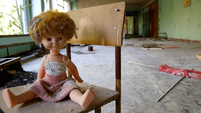 16 Spooky-as-Hell Photos From Inside Chernobyl