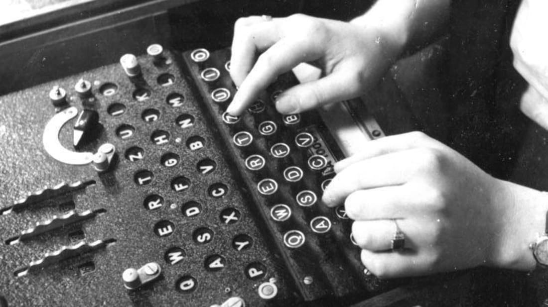 Typewriter Sold at Flea Market Turns Out to Be Rare World