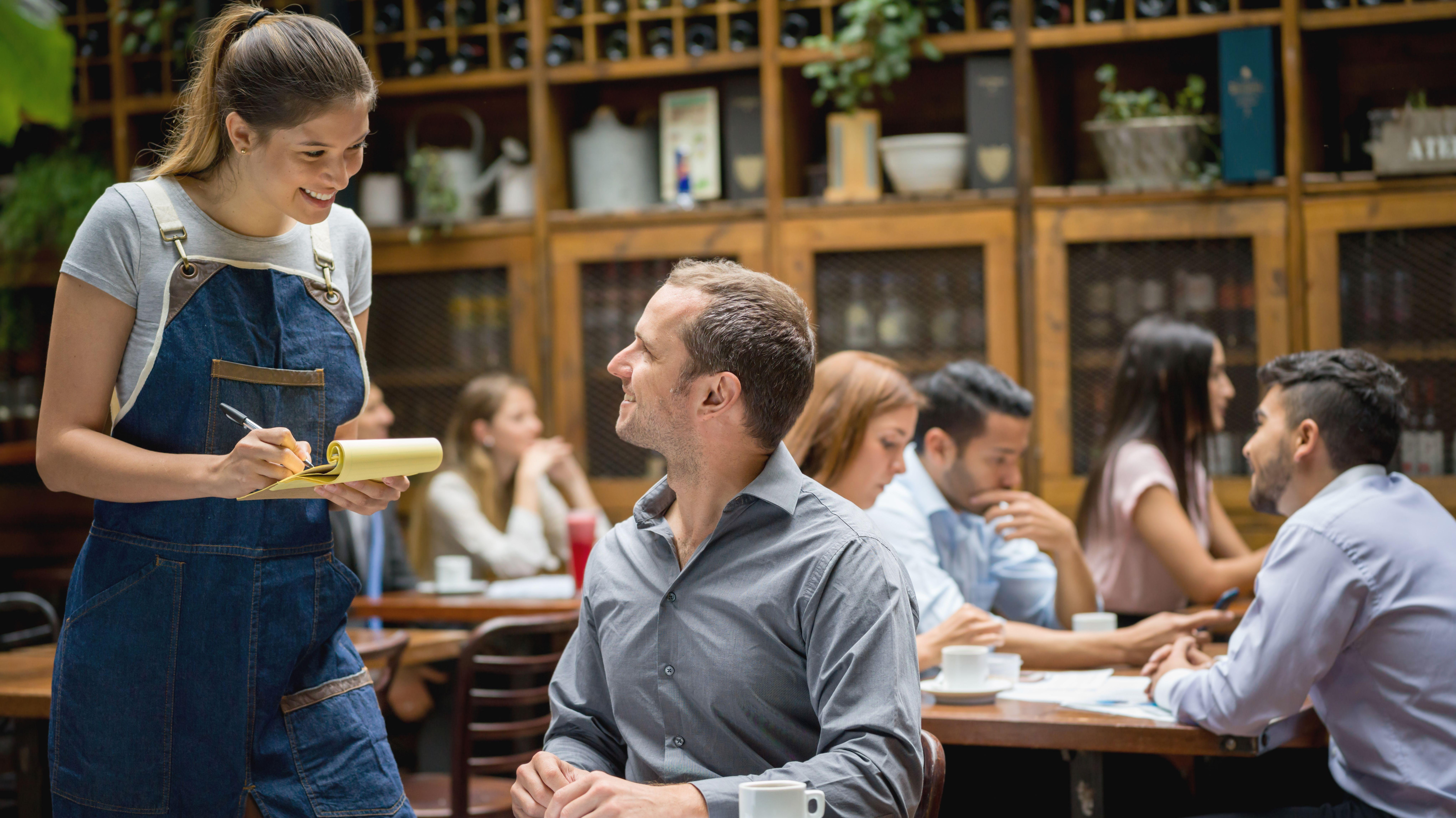 11 Secrets of Restaurant Servers   Mental Floss