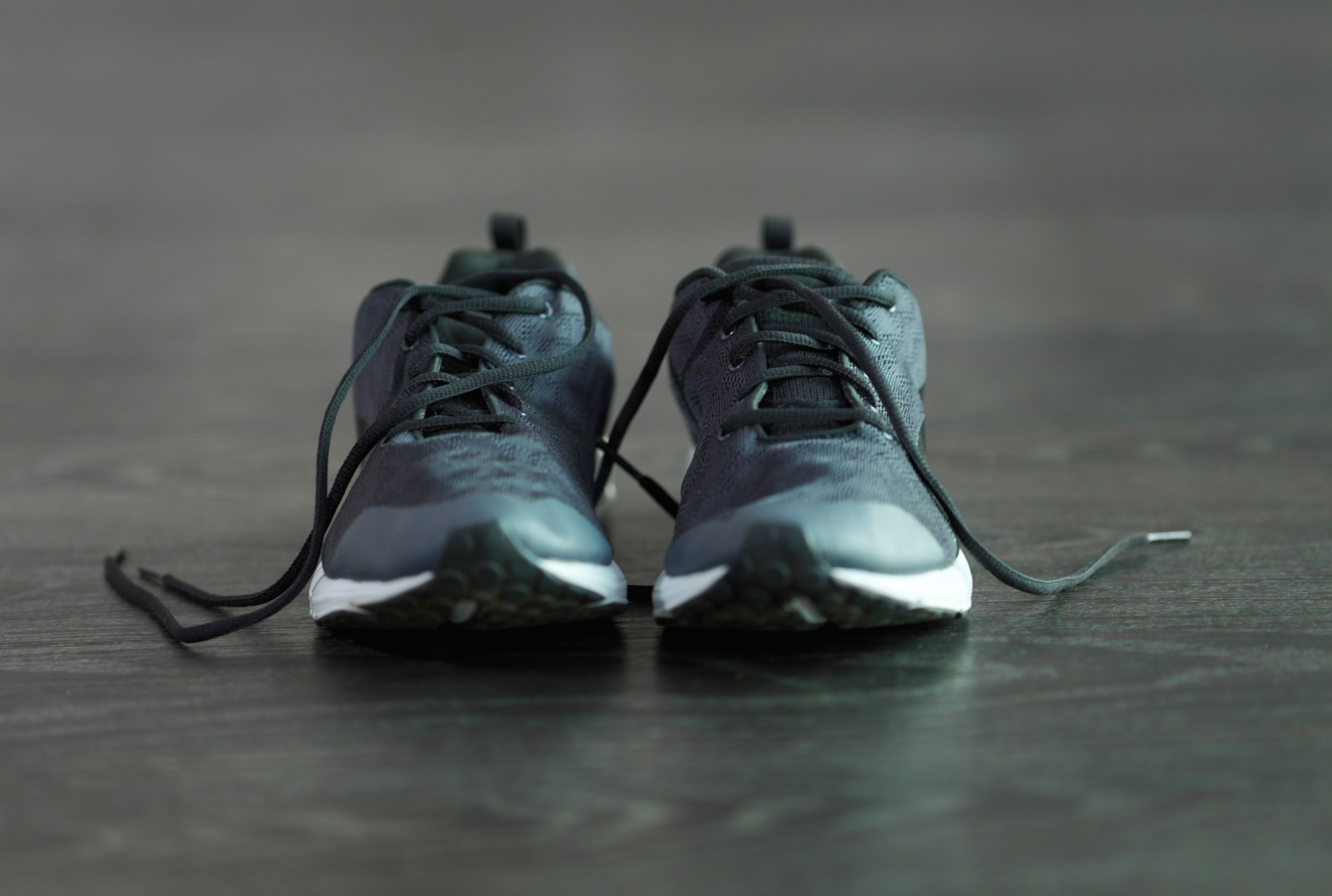 Black or white Lace Trap Great for all ages. Keep your shoe laces tied