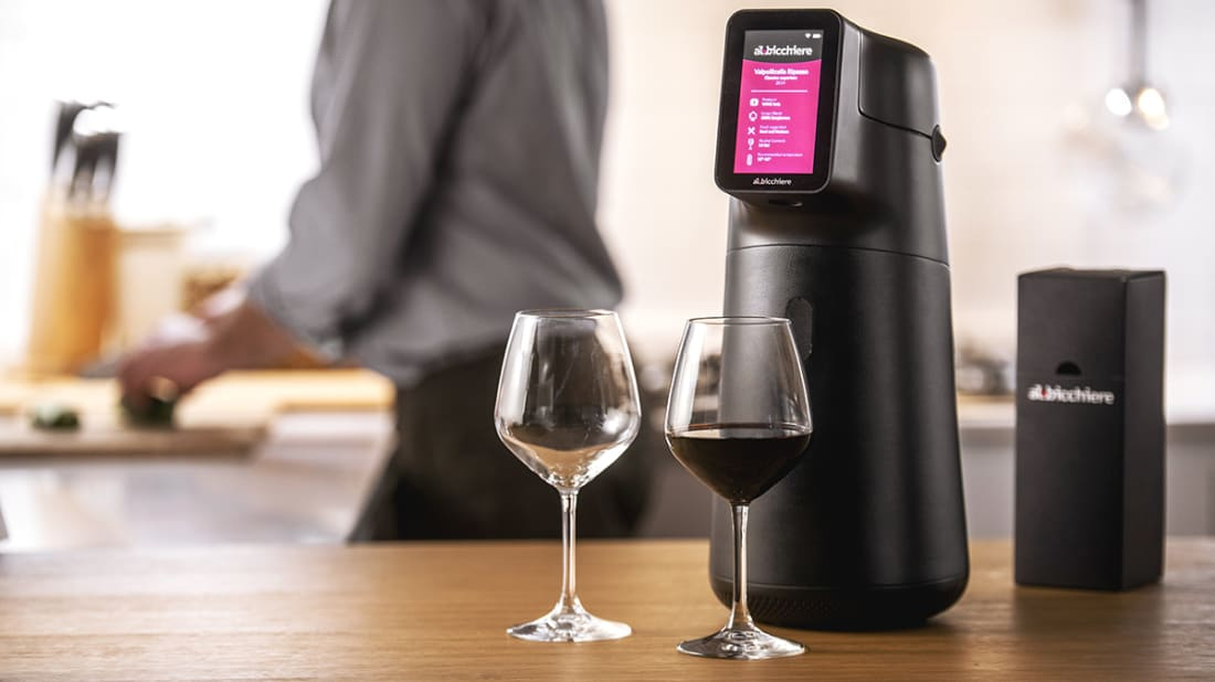 This Smart Wine Dispenser Ensures You'll Get the Perfect Pour Each Time