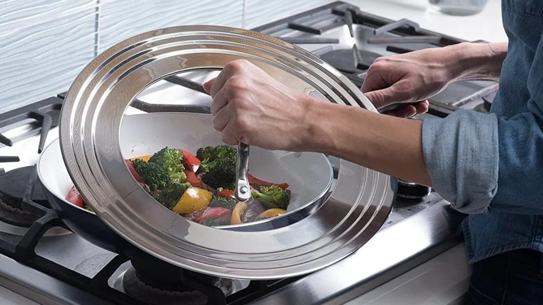 This universal lid fits on pots, pans, and skillets of different sizes.