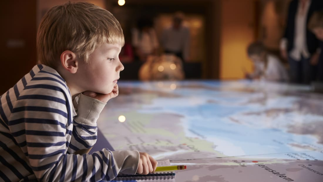 Leisurely Summer Reading Childs Play >> 5 Times Kids Corrected Museums Mental Floss