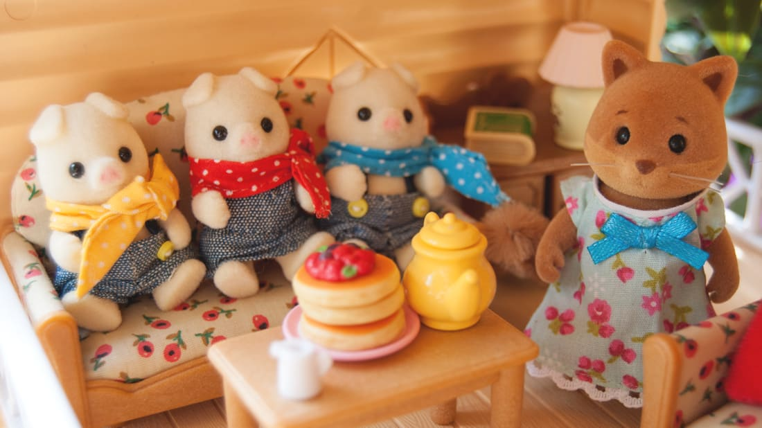 A crew of cozy Calico Critters.