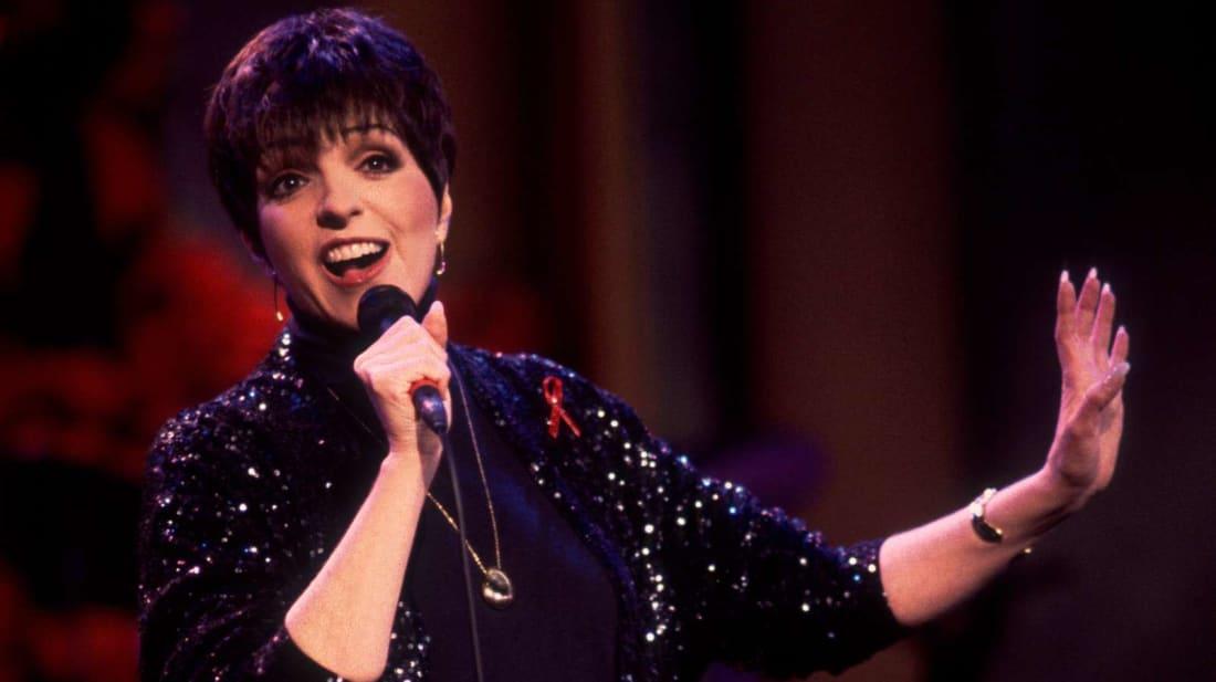 Liza Minnelli performs on The Oprah Winfrey Show in 1992.