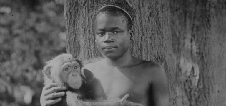 1906 photograph of Ota Benga, described as being taken at Bronx Zoo.