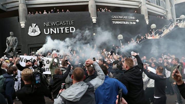 Newcastle United Fans feiern Übernahme durch Konsortium
