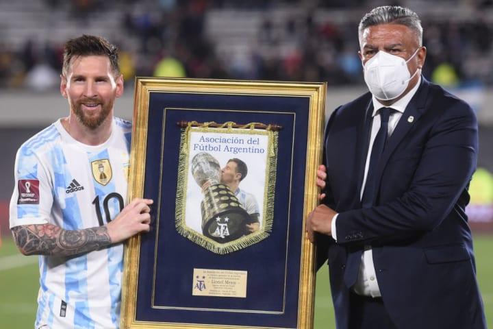 Lionel Messi;  Claudio Tapia