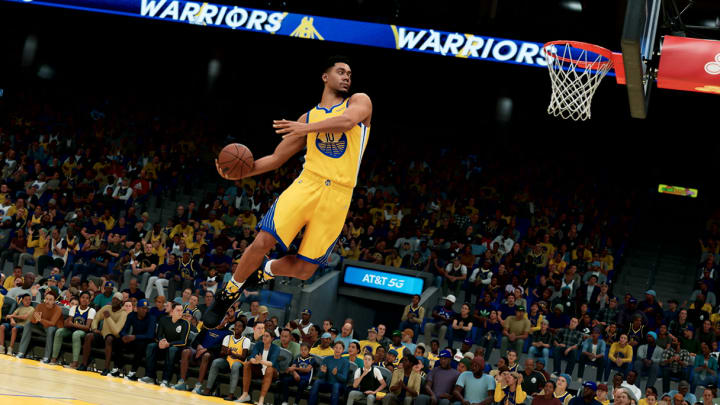 Here's a breakdown of how to get contact dunks in NBA 2K22 on Current Gen and Next Gen.