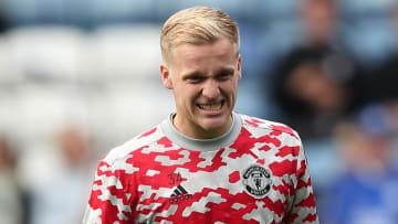 Van de Beek can't catch a break at Manchester United