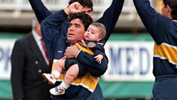 El mismísimo Diego Armando Maradona latiendo al ritmo de La 12.