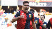 Johan Vásquez por fin debutó con el Genoa y lo hizo con el pie derecho, pues marcó su primer tanto para rescatar el empate 2-2.