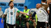 Lionel Messi avec son ancien sélectionneur Jorge Sampaoli à la Coupe du Monde 2018.