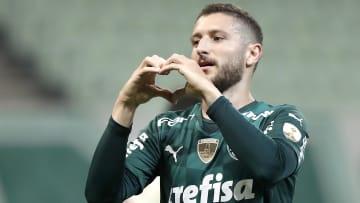 Zé Rafael é o responsável pelo quarto gol de falta do Palmeiras em 2021.