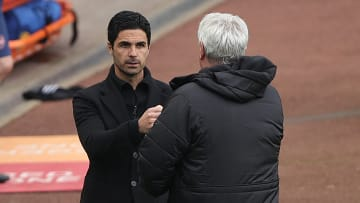 Mikel Arteta greeting Steve Bruce before an Arsenal match against Newcastle