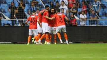 Yeni Malatyaspor oyuncularının gol sevinci