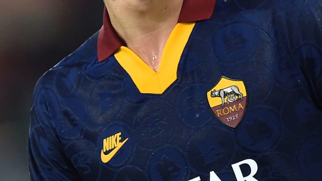 La quarta maglia della Roma richiama la terza divisa giallorossa nel 2019/20