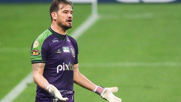 Matheus Cavichioli é o goleiro do Coelho diante do Tricolor