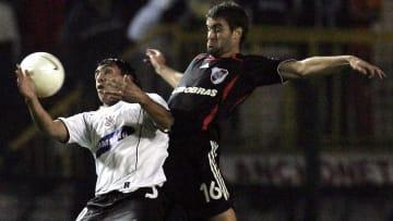 Corinthians, em 2006, caiu para o River no torneio continental