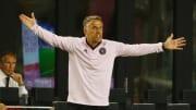 El entrenador Phil Neville.