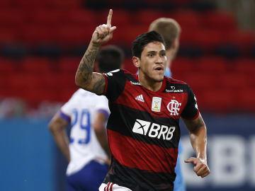 Flamengo vai sentir muita falta de Pedro, que lesionou o joelho. Clube fica sem baita opção para a sequência da temporada.