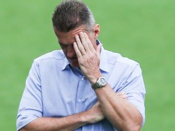 Mancini errou na montagem do time e também nas trocas
