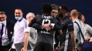 """Juninho Pernambucano foi punido pelo Comitê Disciplinar por comportamento """"inadequado"""" após o empate do Lyon contra o Saint-Étienne na Ligue 1."""