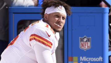 Kansas City Chiefs vs Tennessee Titans point spread, over/under, moneyline and betting trends for Week 7 NFL game.