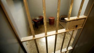 Hapishanede yer alan bir hücre.