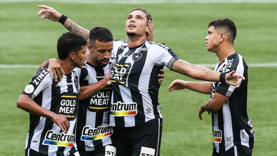 Minnesota United tem negociações avançadas com Rafael Navarro, do Botafogo.