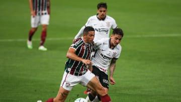 Corinthians e Fluminense estão separados por apenas quatro pontos na classificação