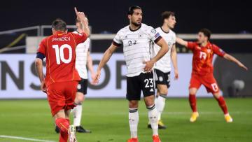 Im Vordergrund: Pandev (l.) und Can, die im Rückspiel zwischen dem DFB-Team und Nordmazedonien beide nicht dabei sind
