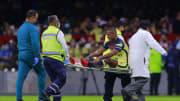 El futbolista de las Águilas tuvo que salir del partido tras su lesión