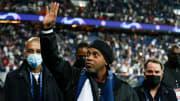 Ronaldinho était présent au Parc des Princes lors du match face au RB Leipzig