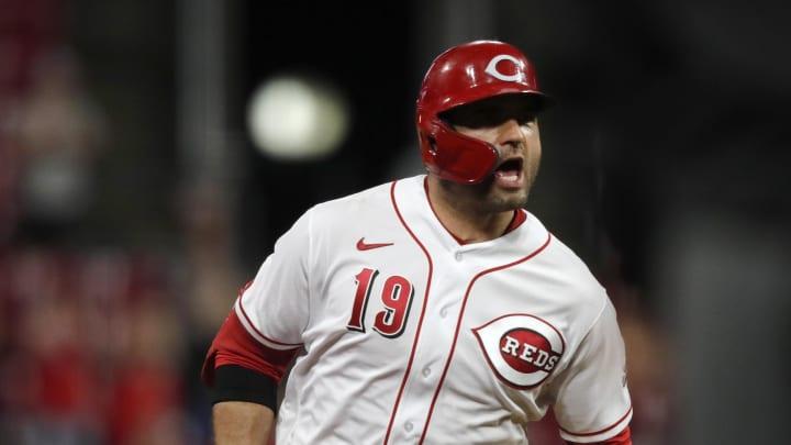 Sep 20, 2021; Cincinnati, Ohio, USA; Cincinnati Reds first baseman Joey Votto (19) reacts as he runs