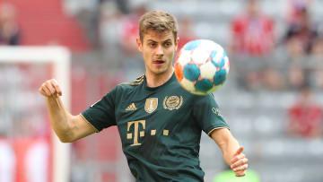 Josip Stanisic verlängert beim FC Bayern