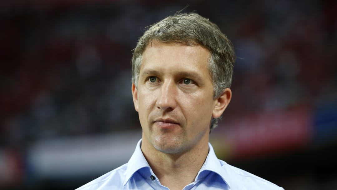 Die Kritik an Werders Sportchef Frank Baumann reißt nicht ab.