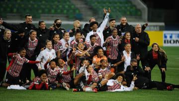 Título e vitória no Choque-Rainha: o futebol feminino do São Paulo viveu um final de semana dos sonhos.