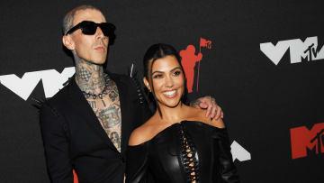 Travis Barker y Kourtney Kardashian confirmaron su romance a finales de 2020