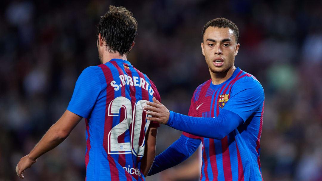 El FC Barcelona busca ganar su primer partido para no quedarse fuera de la Champions