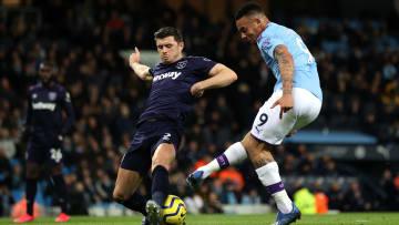 West Ham e Manchester City disputam vaga nas quartas de final da Copa da Liga Inglesa.
