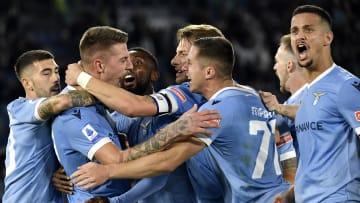 La Lazio festeggia il gol di Milinkovic-Savic