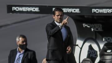 Fernando Gago, cuando fue técnico de Aldosivi.