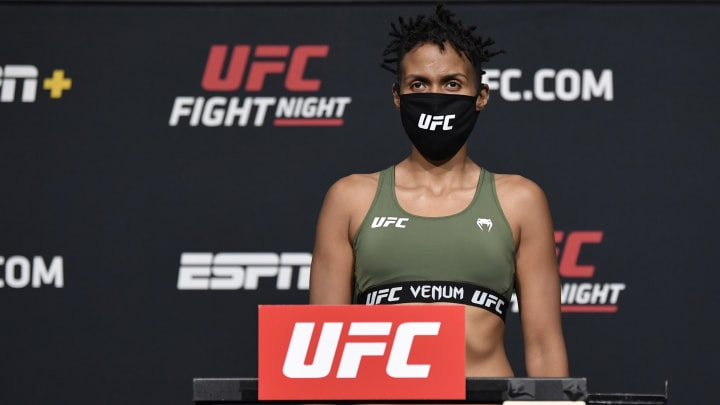 Luana Carolina vs Sijara Eubanks UFC Vegas 40 women's flyweight bout odds, prediction, fight info, stats, stream and betting insights.
