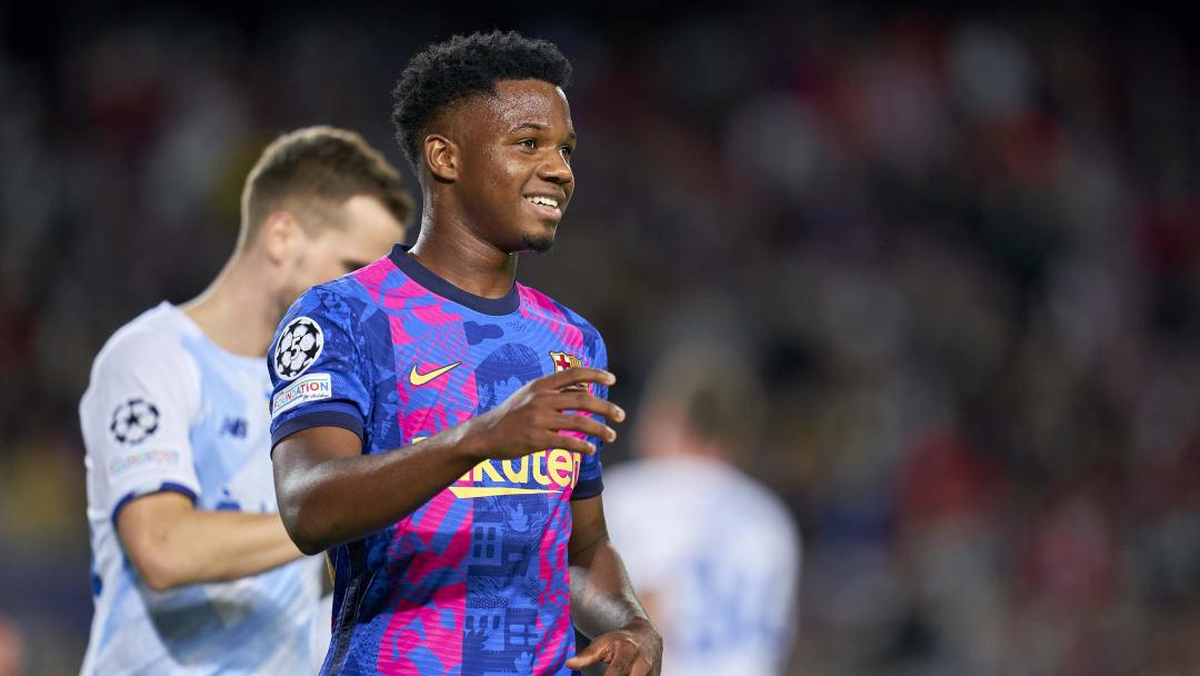 Ansu Fati assinou extensão com o Barcelona